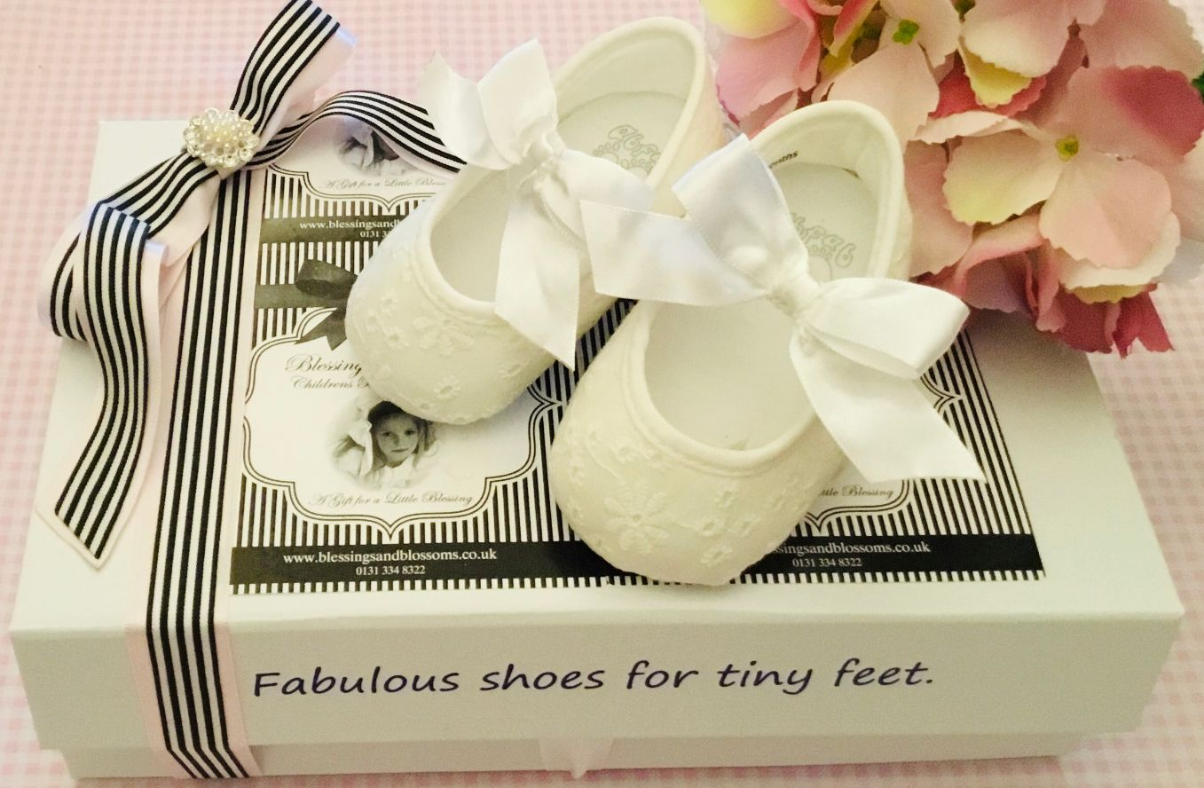 Ab-Fab Winter white Lace shoes Ab-F6