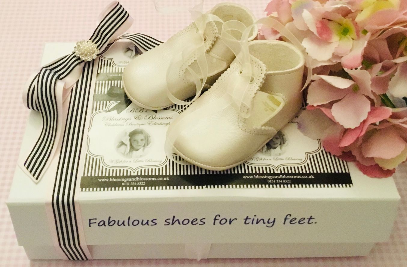 Cuquito Ivory Baby Shoes C-4